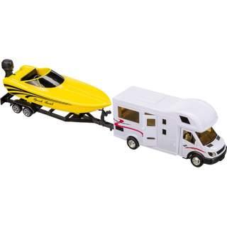 Obytné autíčko s prívesom s loďou