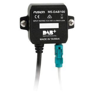 Externý prijímač DAB/DAB + podporujúci technológiu Plug & Play pre digitálne rádio.