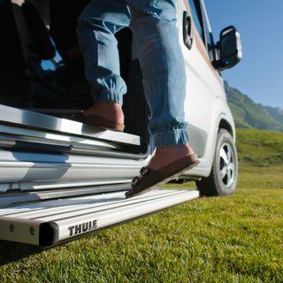 Thule elektrický výsuvný schodík Single Step V15 12 Volt 550 Alu