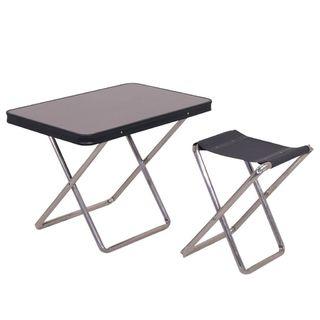 Sada dvoch stoličiek a stola Bandeja