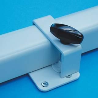 Upínacie zariadenie na zdvíhanie rámov stolov HTA